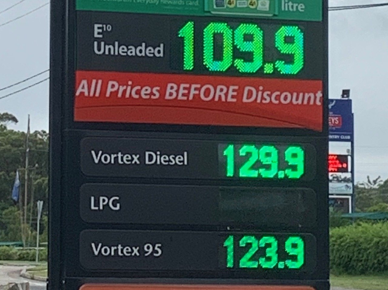 It's great to see a new retailer providing fuel price competition in Morisset where fuel is currently about 30 cents per litre cheaper than at Toronto.