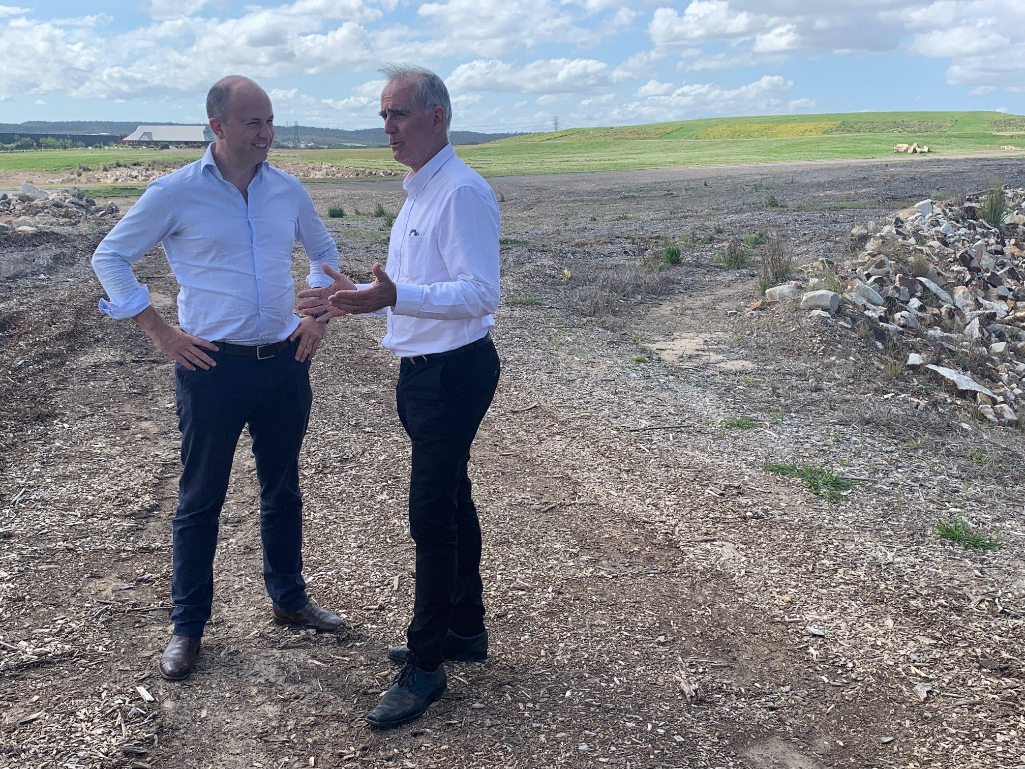 A sensible outcome for the disposal of contaminated soil at Boolaroo has finally been decided. My media release explains the details: