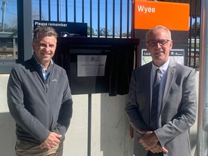 Great to have the NSW Transport Minister Andrew Constance MP in town today to officially open the new-look Wyee Station. It was equally good to have long-time